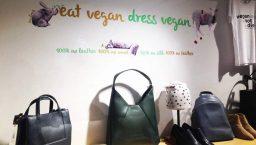amapola vegan shop dress: déco de la boutique vegan
