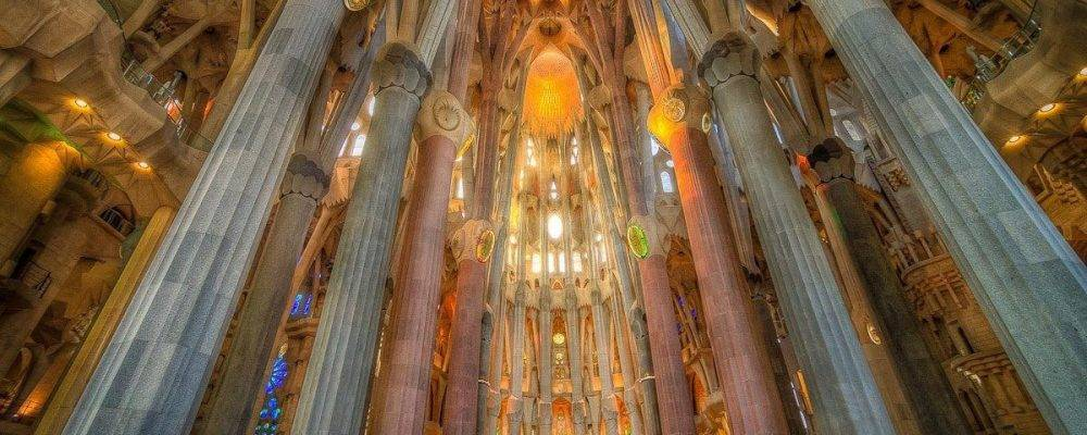 La Sagrada Familia de Barcelone: article à lire absolument avant de la visiter!