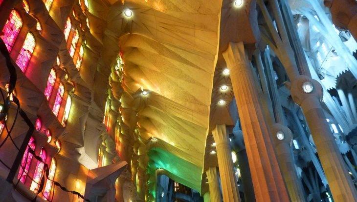 tickets coupe-file Sagrada familia vitraux et reflets