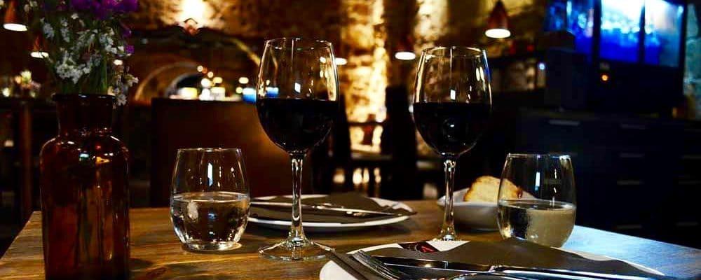 Un restaurant romantique et intimiste? C'est dans la vieille ville que vous le trouverez...