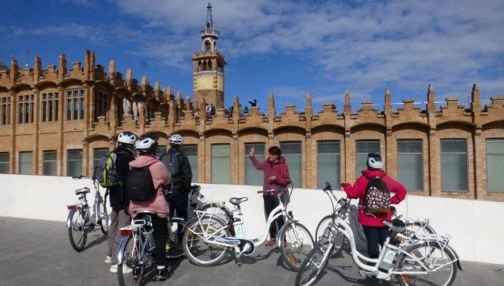 visiter barcelone: Montjuic en vélo électrique