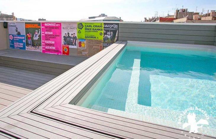 piscine auberge de jeunesse Rock Palace
