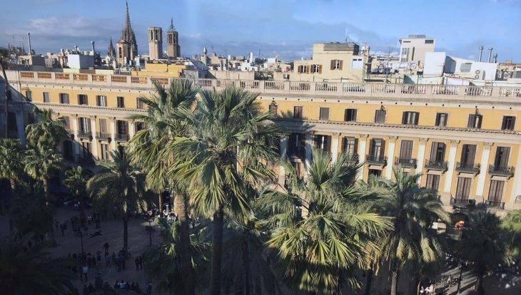 auberge de jeunesse sur la Plaça Reial: vue depuis la terrasse