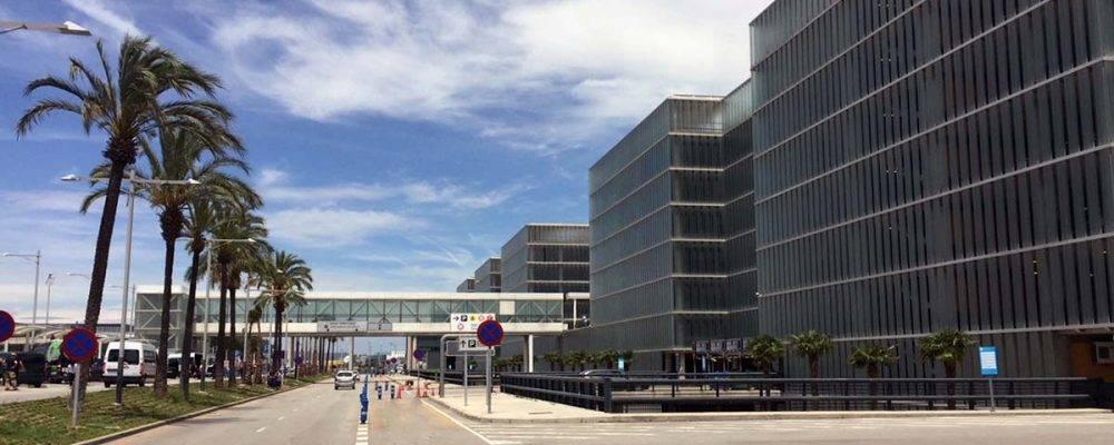 Parkings de l'aéroport de Barcelone: réservez votre place en ligne avant de vous envoler