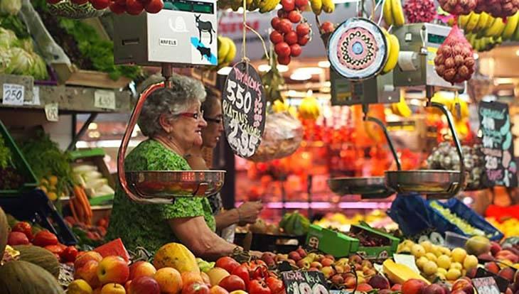 stand de fruits dans un marché